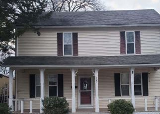 Foreclosed Home in Clinton 64735 S MAIN ST - Property ID: 4523049600