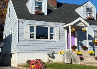 Foreclosed Home in Stamford 06902 BONNER ST - Property ID: 4523065810