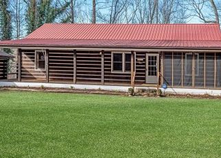 Foreclosed Home in Saluda 28773 PEARSON FALLS RD - Property ID: 4523096460