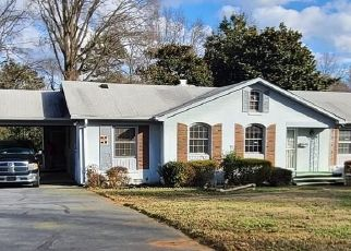 Foreclosed Home in Charlotte 28227 LAKE FOREST RD E - Property ID: 4523141125