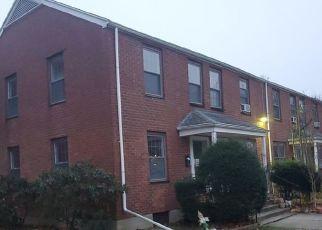 Foreclosed Home in Bridgeport 06610 MENCEL CIR - Property ID: 4523144643