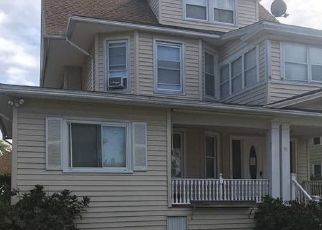 Foreclosed Home in Bridgeport 06606 WENTWORTH ST - Property ID: 4523145963