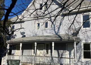Foreclosed Home in Bridgeport 06608 BURROUGHS ST - Property ID: 4523205963