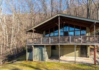 Foreclosed Home in Maggie Valley 28751 WILDCAT RUN - Property ID: 4523439394