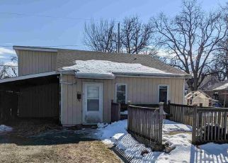 Foreclosed Home in Fort Wayne 46808 HOFER AVE - Property ID: 4523459542