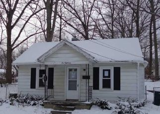 Foreclosed Home in Lansing 48912 LESLIE ST - Property ID: 4523460414