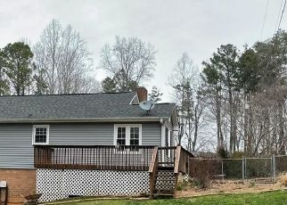 Foreclosed Home in Stanley 28164 HILLSIDE DR - Property ID: 4523699555