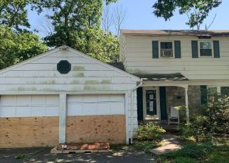 Foreclosed Home in Norristown 19403 LONGSPUR RD - Property ID: 4523714893
