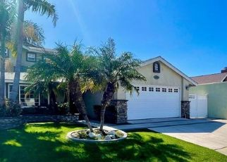 Foreclosed Home in Costa Mesa 92626 NEW HAMPSHIRE DR - Property ID: 4523755615
