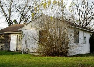 Foreclosed Home in Houston 77033 SCHEVERS ST - Property ID: 4523758234