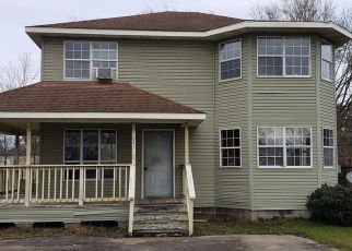 Foreclosed Home in Beaumont 77705 5TH ST - Property ID: 4523825696