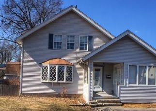 Foreclosed Home in West Hartford 06110 NEWINGTON RD - Property ID: 4523856790