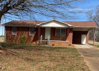 Foreclosed Home in Lawndale 28090 FALLS ST - Property ID: 4523922926