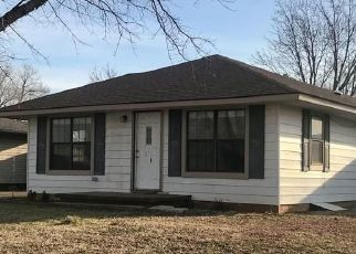 Foreclosed Home in Elk City 73644 N LOCUST AVE - Property ID: 4523943951