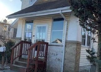 Foreclosed Home in New Britain 06051 BELDEN ST - Property ID: 4524095933