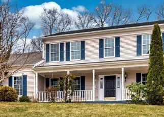 Foreclosed Home in East Hampton 06424 POCOTOPAUG DR - Property ID: 4524100291