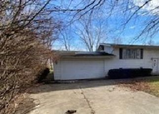 Foreclosed Home in Hudson 61748 S EAST ST - Property ID: 4524190520