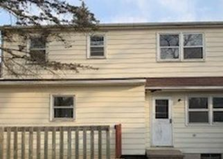 Foreclosed Home in Lansing 48911 BLUEBELL DR - Property ID: 4524204535