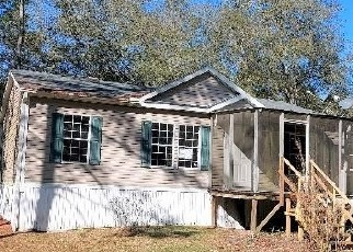 Foreclosed Home in Bronson 32621 NE 73RD TER - Property ID: 4524256658