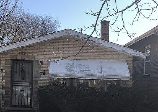 Foreclosed Home in Chicago 60617 S MARQUETTE AVE - Property ID: 4524273740