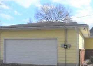 Foreclosed Home in Columbus 43207 GROVEPORT RD - Property ID: 4524326285
