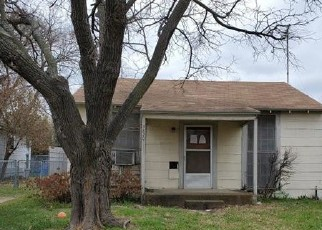 Foreclosed Home in Fort Worth 76110 6TH AVE - Property ID: 4524341176