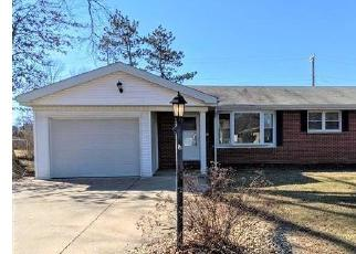 Foreclosed Home in Godfrey 62035 JEROME DR - Property ID: 4524371400