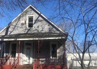 Foreclosed Home in Springfield 62704 S 2ND ST - Property ID: 4524372276