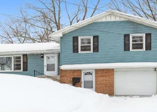 Foreclosed Home in Clinton 52732 22ND PL - Property ID: 4524373146