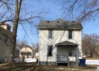 Foreclosed Home in Waterloo 50703 COTTAGE ST - Property ID: 4524374472