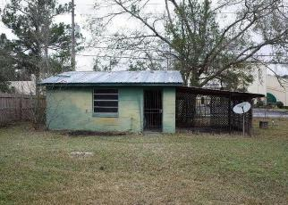 Foreclosed Home in Jacksonville 32210 DELAROCHE DR E - Property ID: 4524389356