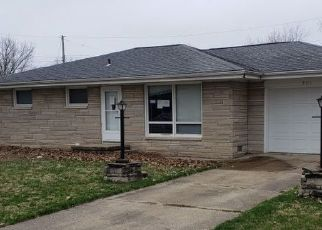 Foreclosed Home in Kincaid 62540 COMMONWEALTH AVE - Property ID: 4524406440