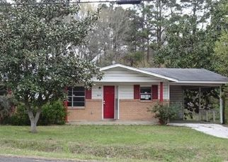Foreclosed Home in Lufkin 75904 KURTH DR - Property ID: 4524605728