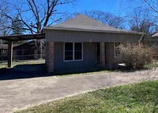 Foreclosed Home in Center 75935 THOMAS ST - Property ID: 4524606597