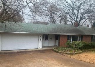 Foreclosed Home in Saint Louis 63135 N FLORISSANT RD - Property ID: 4524632431