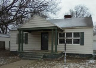 Foreclosed Home in Blackwell 74631 S 2ND ST - Property ID: 4524650389