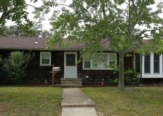 Foreclosed Home in Brick 08723 PARKWAY DR - Property ID: 4524664408