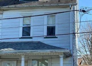 Foreclosed Home in Nazareth 18064 E WALNUT ST - Property ID: 4524798429