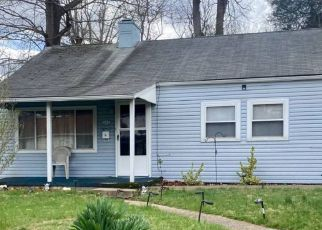Foreclosed Home in Huntington 25701 BUNGALOW AVE - Property ID: 4524870249