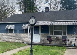 Foreclosed Home in Huntington 25701 MCVEIGH AVE - Property ID: 4524872443