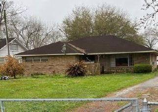 Foreclosed Home in Houston 77091 BRINKMAN ST - Property ID: 4524890848