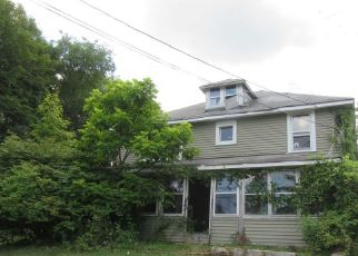 Foreclosed Home in Highland 12528 COTTER RD - Property ID: 4524935517