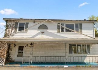 Foreclosed Home in Hagerstown 21740 HOWELL RD - Property ID: 4524991576