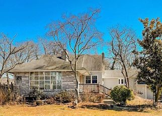 Foreclosed Home in Clementon 08021 E ELM AVE - Property ID: 4525007339