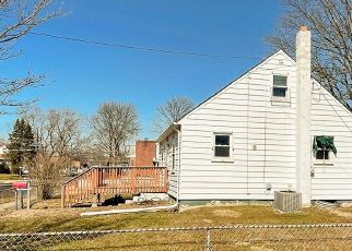 Foreclosed Home in Magnolia 08049 WILSON RD - Property ID: 4525008212