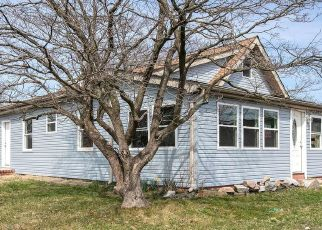 Foreclosed Home in Mount Ephraim 08059 W KINGS HWY - Property ID: 4525009981