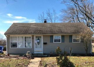 Foreclosed Home in Toms River 08753 DICKINSON AVE - Property ID: 4525024421