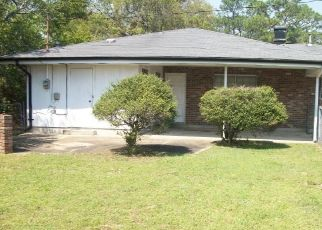 Foreclosed Home in Pensacola 32504 TOM LANE DR - Property ID: 4525056842