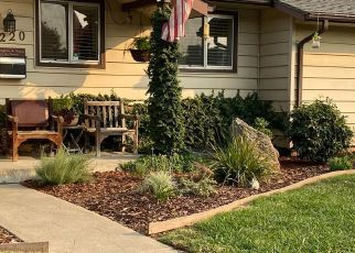 Foreclosed Home in Sacramento 95821 GREENWOOD AVE - Property ID: 4525189536
