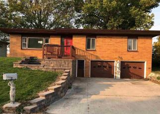 Foreclosed Home in Hampton 50441 SUNSET DR - Property ID: 4525332313